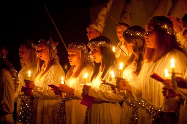Sankta Lucia a  light in the darkness
